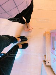 自撮りの足の写真・画像素材[1672917]