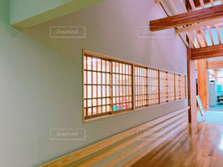 木の床の部屋の写真・画像素材[1754377]