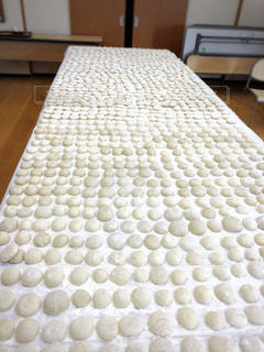 神社のお祭りの餅撒きの餅作りの写真・画像素材[1980462]