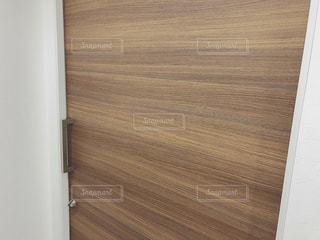ドアのクローズアップの写真・画像素材[2111744]