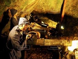 重労働により人の心を失った坑夫たち①の写真・画像素材[4168716]
