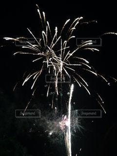 空に花火の写真・画像素材[1386937]