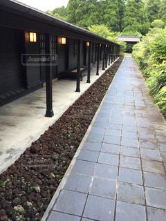 石畳の和風建築廊下の写真・画像素材[1386235]