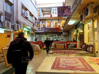 ペルシャ絨毯市場の写真・画像素材[1388851]