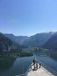 水に架かる橋の写真・画像素材[3685395]