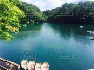 湖とボートの写真・画像素材[1412630]