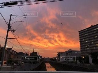 沈む夕日の写真・画像素材[1391994]