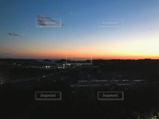田舎の夕暮れの写真・画像素材[1755118]