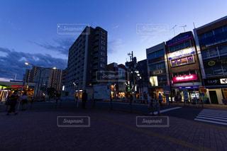 街の通りのビューの写真・画像素材[1396280]
