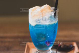 青いクリームソーダの写真・画像素材[1818237]