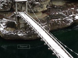 近くの橋の上の写真・画像素材[1394423]