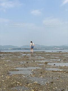 海で遊ぶ少女の写真・画像素材[3169396]