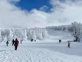 樹氷の見れる山形のスキー場の写真・画像素材[1806308]