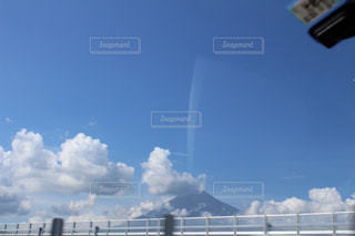車窓から見えた富士山の写真・画像素材[1396892]