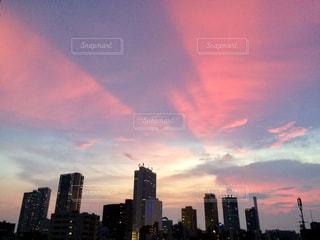 ピンクの空の写真・画像素材[1422886]