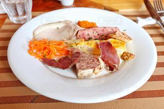珍しい鹿肉を中心としたジビエ料理の写真・画像素材[2366637]