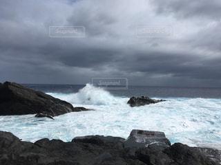 曇りの海の写真・画像素材[1399568]