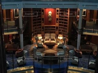 豪華客船のライブラリーの写真・画像素材[1400557]