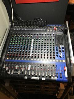 音楽スタジオのミキサーの写真・画像素材[1401547]