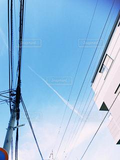 澄んだ青い空の写真・画像素材[1401462]
