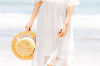 ドレスを着ている人の写真・画像素材[1403109]