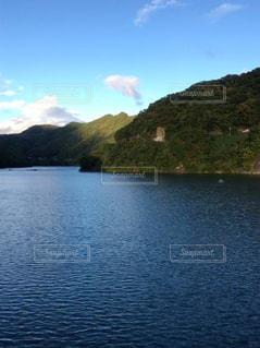 湖のほとりの写真・画像素材[1637960]