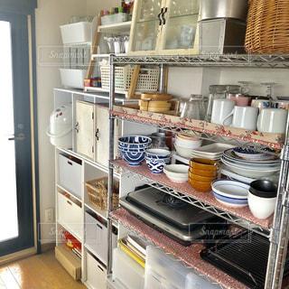 キッチンの中の写真・画像素材[1410132]
