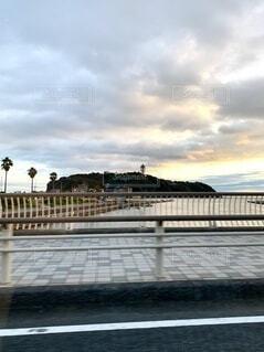 夕方の江ノ島の写真・画像素材[3776323]