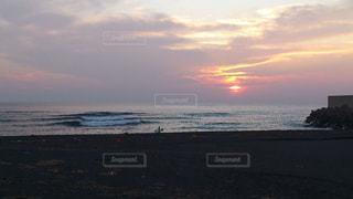 海の沈む夕日の写真・画像素材[1406365]