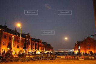 夜の赤煉瓦の写真・画像素材[1407148]