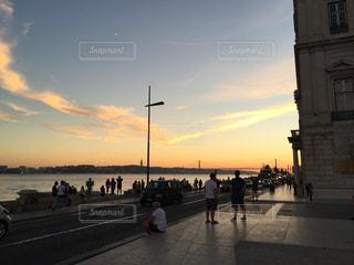 リスボンに陽は落ちての写真・画像素材[1407257]