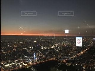 夜の街の景色の写真・画像素材[1408816]