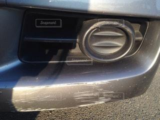 車の擦った傷の写真・画像素材[1409924]
