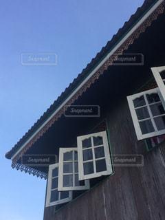 昔ながらの民家の窓の写真・画像素材[1624340]