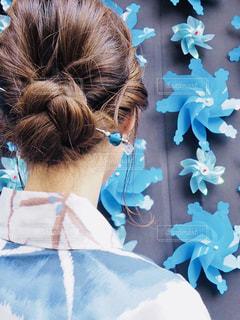 青いかんざしの写真・画像素材[2380648]