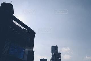 ビルと青空の写真・画像素材[4139042]