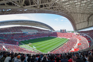 人や浦和レッズサポーターでいっぱい埼玉スタジアムの写真・画像素材[1413137]