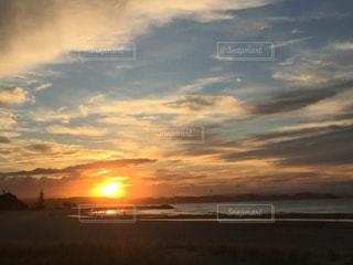 海に沈む夕日の写真・画像素材[1412068]