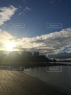 朝のお散歩の写真・画像素材[1412069]