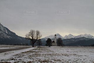 雪に覆われた山の写真・画像素材[1415549]
