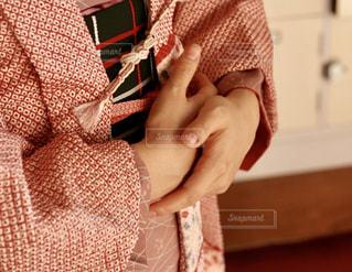 着物を着た女性の手の写真・画像素材[1425694]