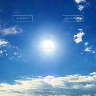 太陽と雲の写真・画像素材[1605526]