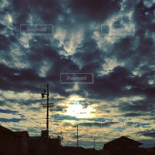 曇り空と家の写真・画像素材[1691422]