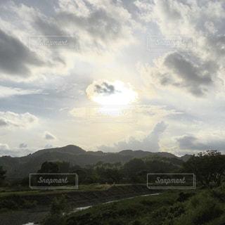 川と山と空の写真・画像素材[1694370]
