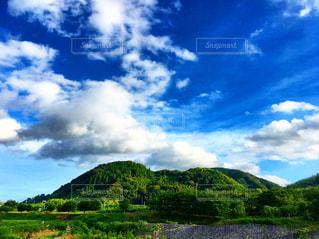 青空と山の写真・画像素材[2178538]