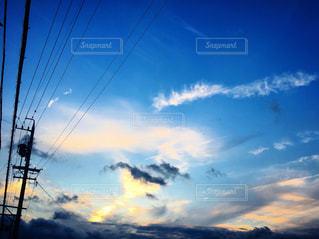 空を飛ぶ人の写真・画像素材[2977886]