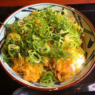 丸亀製麺の肉ぶっかけうどんの写真・画像素材[3333824]