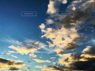夕焼けの空の写真・画像素材[3457051]
