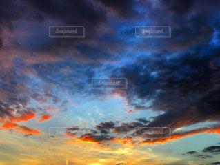 空の雲の群の写真・画像素材[3590165]