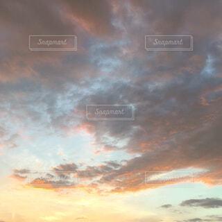 夕焼け空の写真・画像素材[4215945]